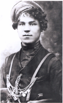 Markov Ivan Evdokimovich In 1921, together with Nestor Makhno moved to Romania, then to Poland. Subsequently returned to Ukraine and continued the insurgency.