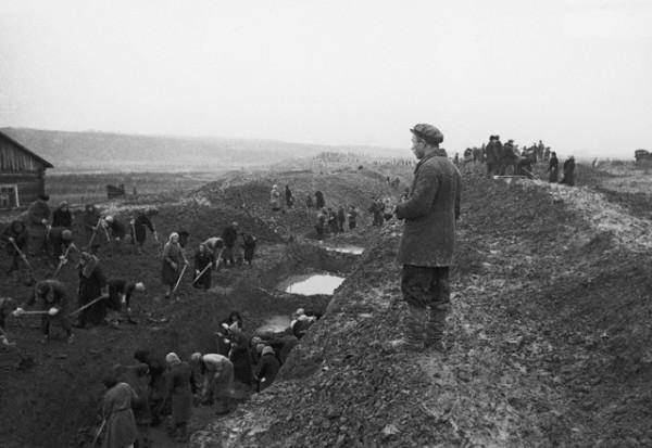 Digging Tank Traps