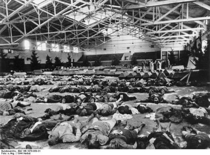 Berlin, Opfer eines Luftangriffes