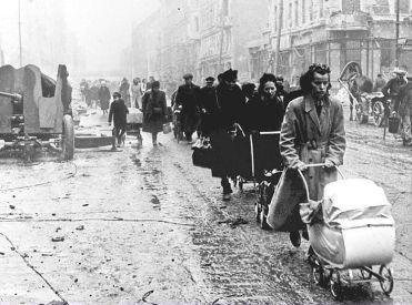 Homeless Berliners 1945