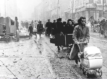 Homeless Berliners 1945