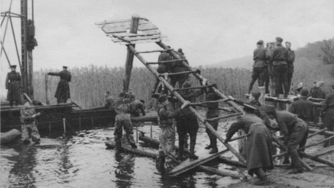 Soviet units for the construction of a bridge across the Berezina